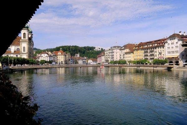 A2288 : Lucerne en été, les nuages arrivent !