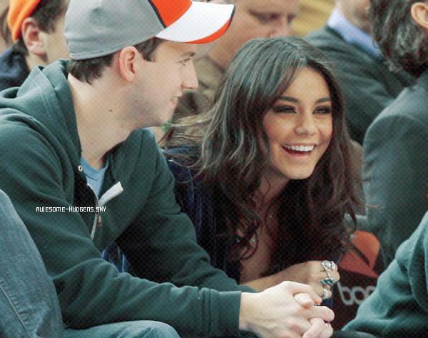 . Vanessa, 02/ 03 : .  Nessa a été vu au Match des Knicks VS Hornets avec son co- star de Bandslam..Newsletter  Autres Blogs ♥ . ♥ . ♥ . ♥   Match