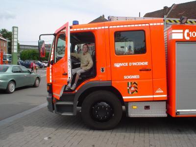 camion de pompier de soignies mehdi le futur pompier professionel. Black Bedroom Furniture Sets. Home Design Ideas