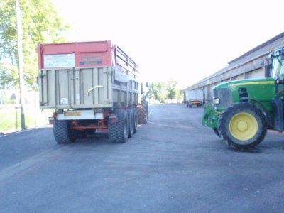 JD7530 lambert27t , JD6930 cargo20t , claas leboulch 28t