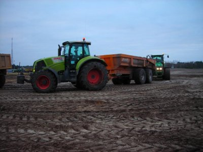 Claas axion 810 et le JD7830