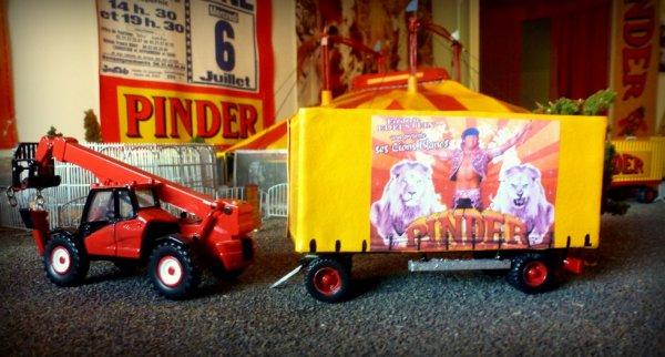 Remorque Bachée Lions Blancs Cirque Pinder