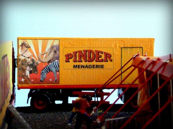 Remorque ménagerie zoo Cirque Pinder