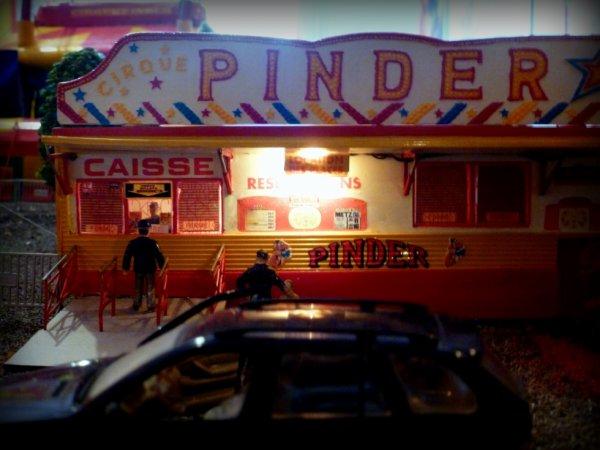 Caisse maquette cirque Pinder