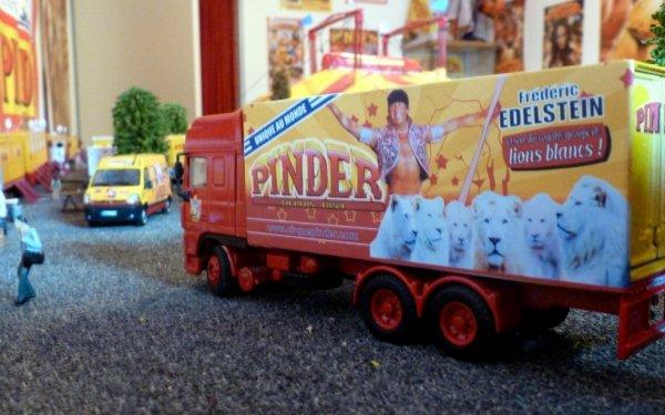 Nouvelle Déco camion frédéric Edelstein cirque Pinder