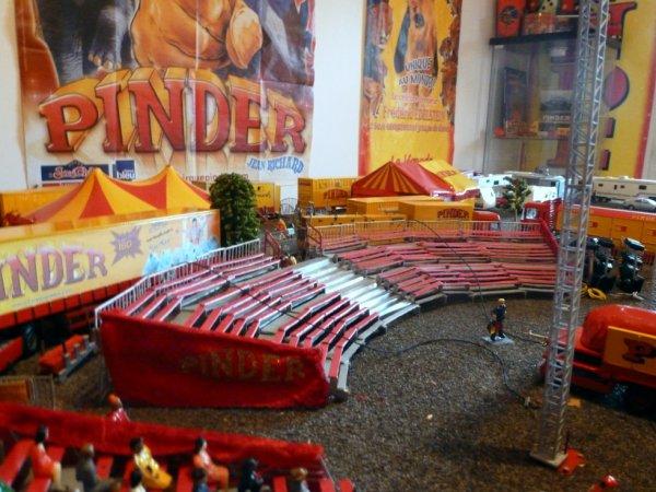 Gradins futur chapiteau cirque Pinder