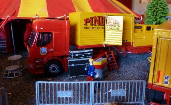 Renault premium maquette cirque Pinder