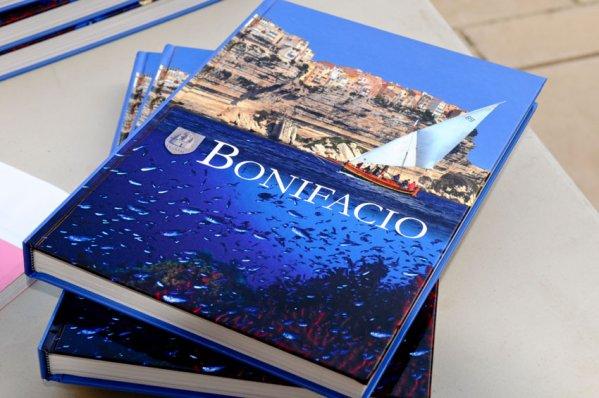 """Extrait de la monographie """"Bonifacio"""": La Trinité, un lieu qui ne fut pas toujours très catholique"""