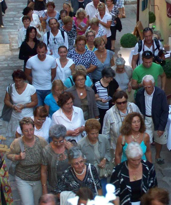 SAINTE CROIX : L'EXALTATION DANS LA FERVEUR