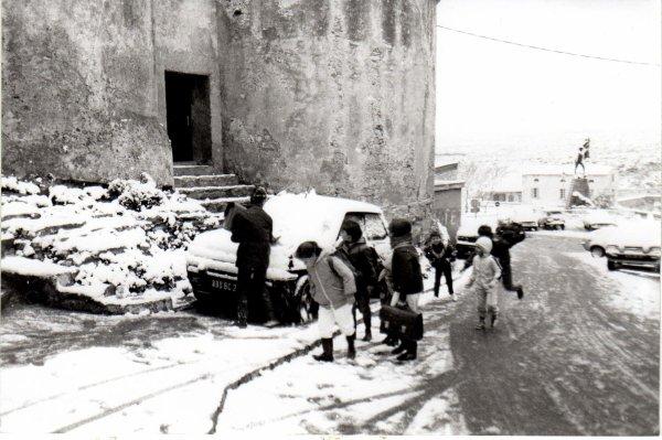 Blanc le chemin des écoliers (1985)
