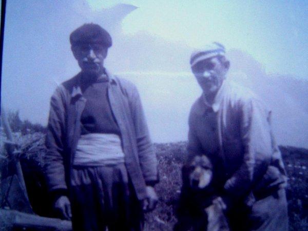 VIEUX CAMPAGNARDS A CALA LONGA (ANNEES 1950)