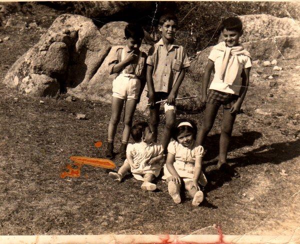 ENFANTS A LA TRINITE (DE BONIFACIO) EN 1964