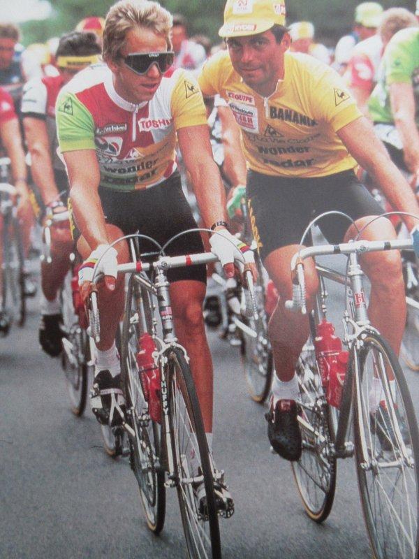 RETRO TOUR (39) 1985