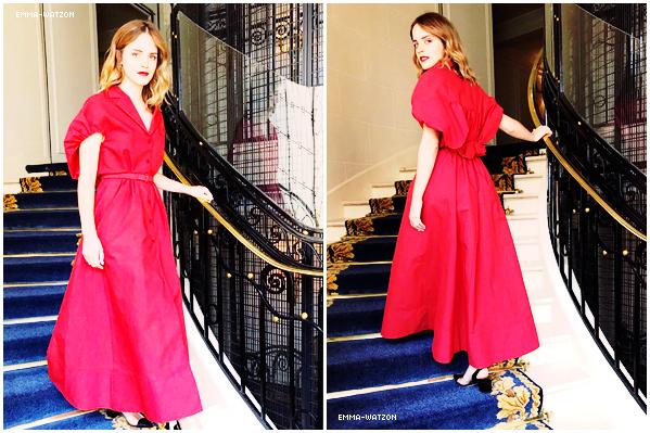 25.06.2017 - La belle Emma Charlotte Watson était invitée pour une conférence de presse à Londres. Pas grand chose a dire sur cette photo , a part que c'est la seule que j'ai à vous poster sur l'article. C'est dommage.