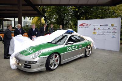 voiture de police allemande alarm f r cobra 11 die autobahnpolizei. Black Bedroom Furniture Sets. Home Design Ideas