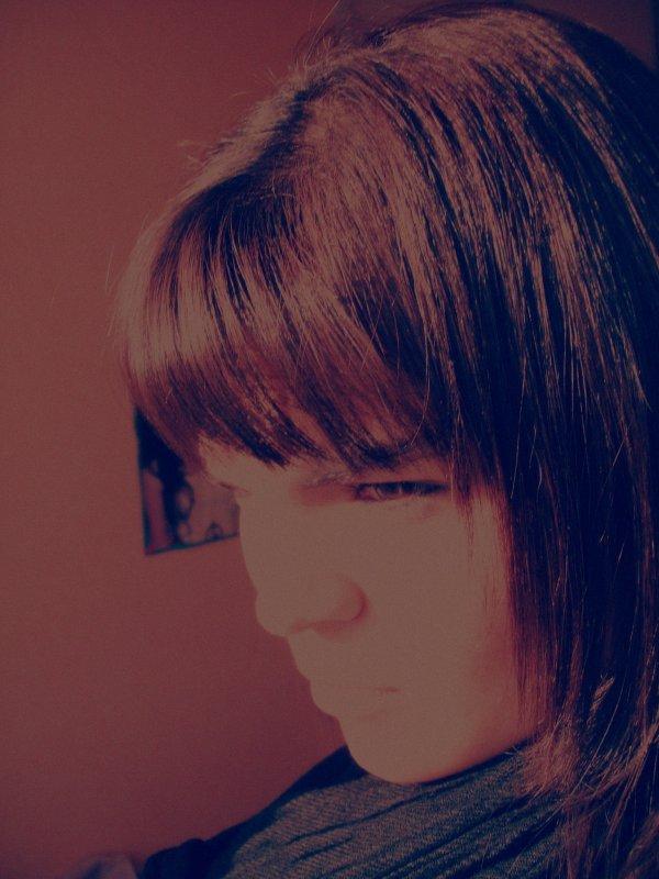 C'est vrՁii que pendՁnt des Mois J'ai pleuré, MՁiis Je peux te dire que Là J'me suis Relevé &&' J'suis pՁs prète de retomber.. La HՁiine a pris la place des LՁrmes, Le sourrir que J'Ձii sur mes Lèvres cՁche la Douleur que J'Ձii sur le Coeur..