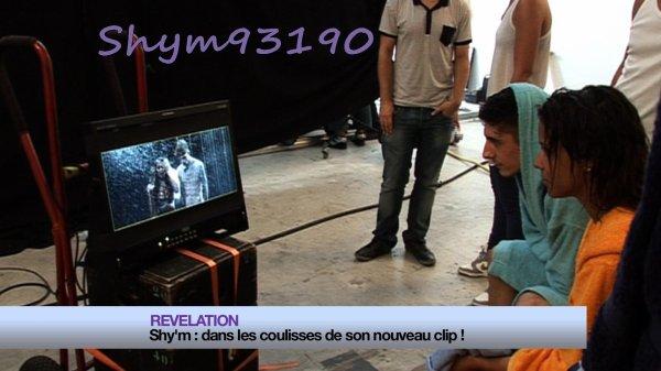 """Je vous laisse découvrir le Lyrics Officiel , du deuxieme single """" On se fout de nous """" De l'album """" Caméléon """""""