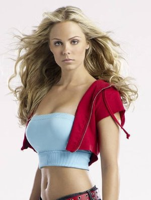 SMALLVILLE SEASON 10 - PETITE DESCRIPTION DE SUPERGIRL
