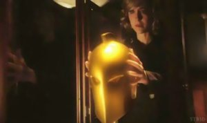 SMALLVILLE SEASON 10 - CHLOE ET LE CASQUE DE DR.FATE