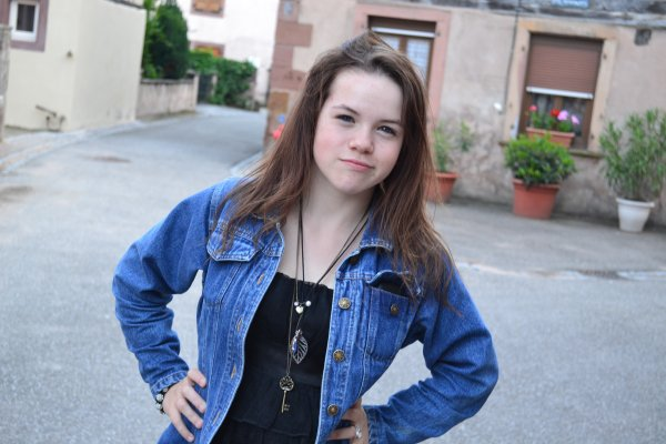 Justine, 16ans :)