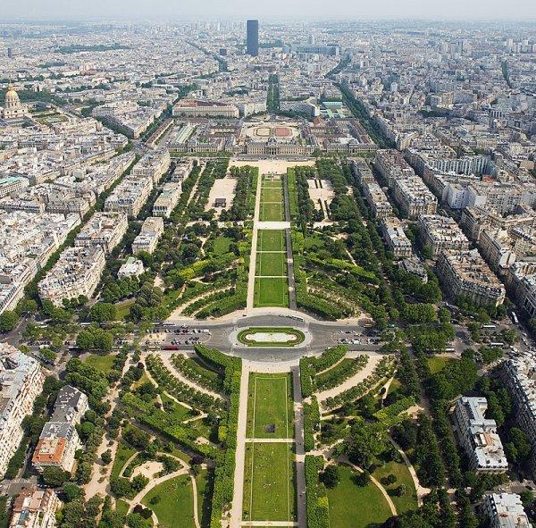 Solene aus Paris