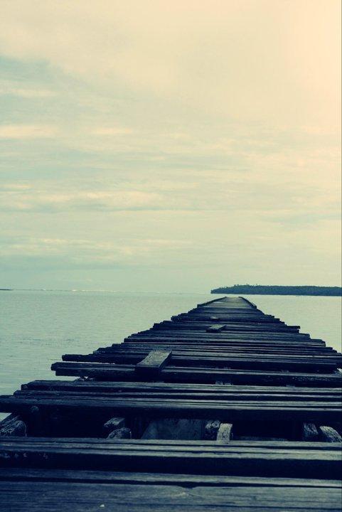 . Savoir qu'on n'a plus rien à espérer n'empêche pas de continuer à attendre. .