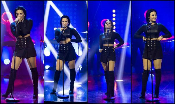 .  05/11/15 : Demi Lova - magnifique dans cette tenue-là - était sur le plateau du talk-show de Senkveld en Suède  Demi Lova. paraissait vraiment ravie d'être là. De plus, sa tenue en cuir noir lui allait vraiment à merveille. J'adore ! Avez vous des avis ?   .