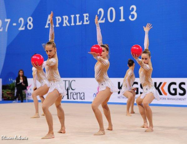 6373. L'ensemble France médaillé à la Coupe du Monde de St Petersbourg :)