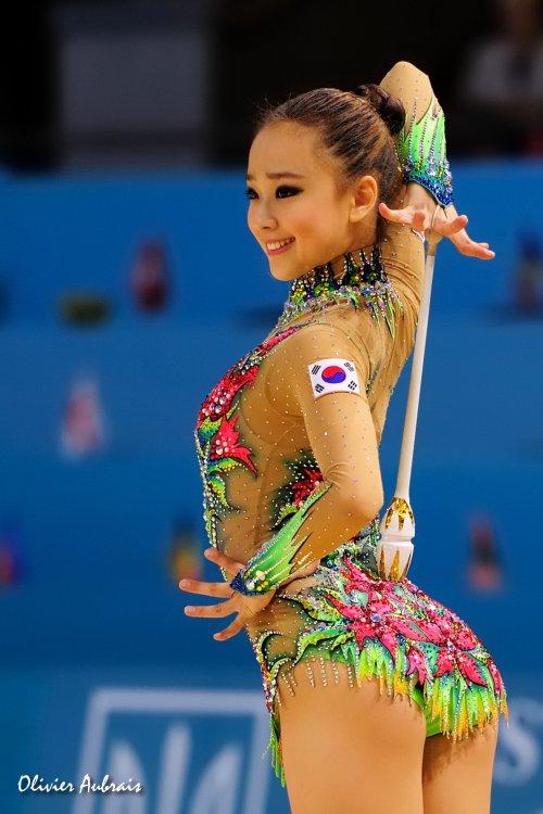 6400. Les championnats du Monde de GR à Kiev : Yeion Jae Son (Corée)