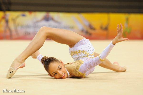 6413. Coupe Nationale Espoir 1 (2002) : Julie Dewynter (Calais), 3ème, 29,499 pts