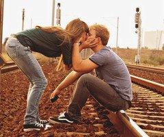le plus remarquable, c'est que le comportement amoureux soit si semblable à celui de la folie.