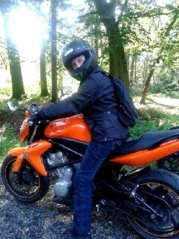 mon nouveau loisir  Kawasaki 650  hee oui j'ai eu mon permis moto avec 5 A