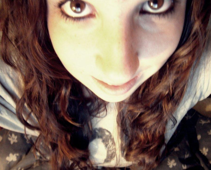 » Regarde moi comme si tu etait face a l'amour. ♡
