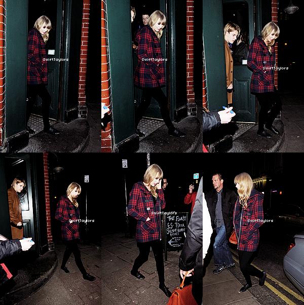 Le 21.02 Taylor a été apperçue sortant d'un pub à Londres. J'adore son manteau et toi ?