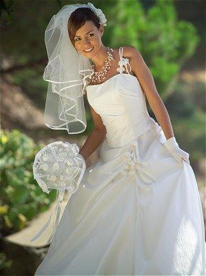 la robe de marie a vestido da noiva - Ariane Quatrefages Photo Mariage