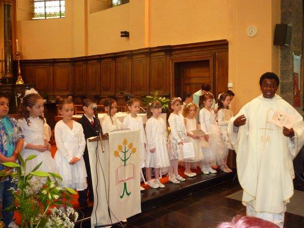 Premières communions à Strépy