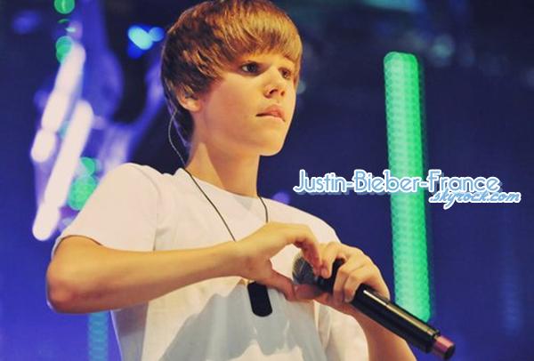 .  Justin reporte un concert suite à sa maladie. .