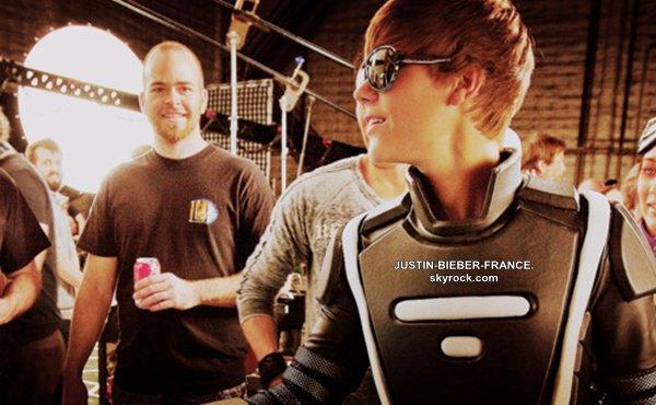 """.  26/01 - Arrivée à LAX, Los Angeles. + Nouvelles photos pour la promo """"Best Buy"""".   ."""
