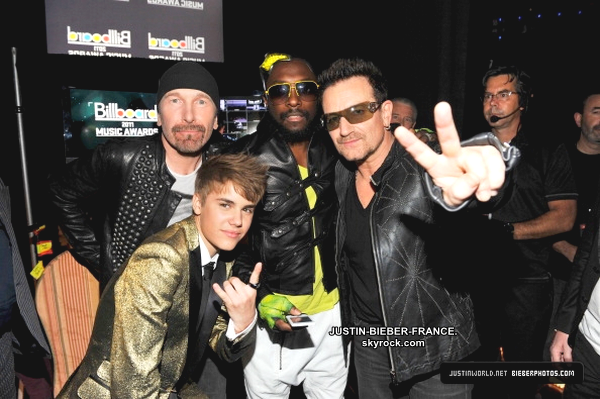 .  22.05 - Billboard Awards 2011.  .