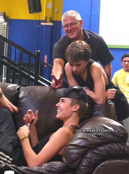 .  19.08 Justin et Selena à Philadelphie. .