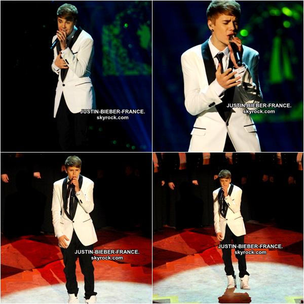 .  11.12 Justin chante une nouvelle fois pour Barack Obama. .