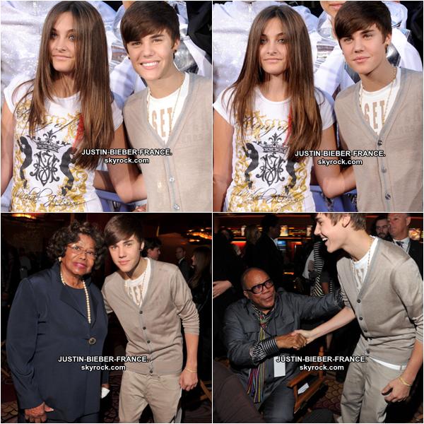 .  26.01 Justin au Hand and Footprint Ceremony dédiée à Michael Jackson. .