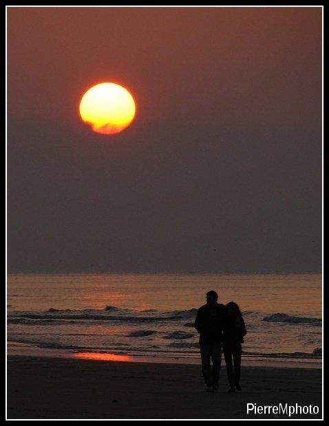 Les amoureux sont seuls au monde