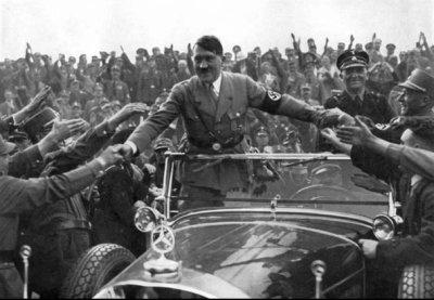 hitler n'est  pas mort le 30 avril 1945