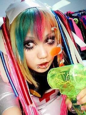 tout ce que jaime!surout tout ce qui est japonais+emo-scene queen!