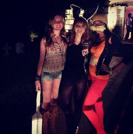 Bella Thorne à Halloween ! Bouuhhh!