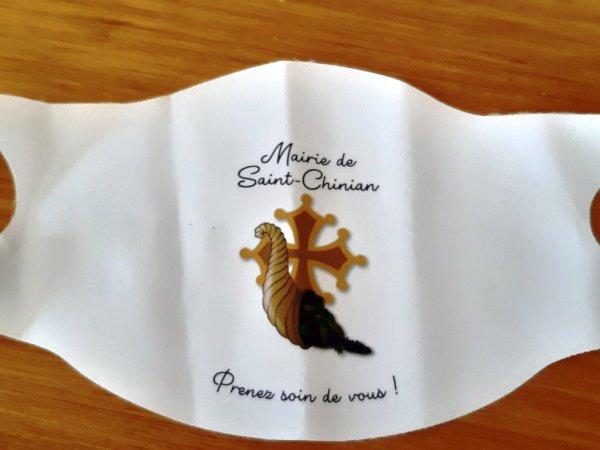 """Ce matin distribution a la Mairie de St Chinian """" d'un masque comme souvenir ! """" 😡"""