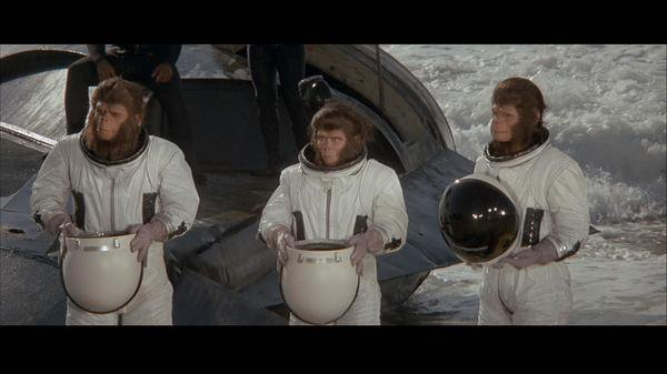 Les évadés de la Planète des Singes (1971) aka Escape from the Planet of the Apes