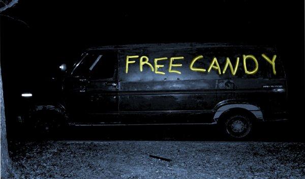Pour ceux qui ne connaissent pas les camionnettes avec l'inscription Free Candy