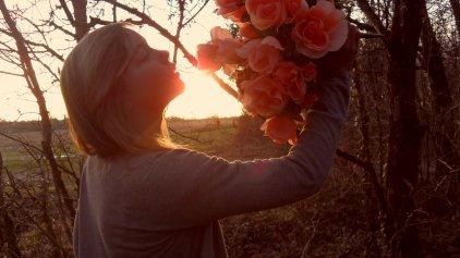 Puisque certain sourires ne font que mentir, le regard ne trompe jamais lorsqu'il s'agit d'une âmes fatigué d'avoir trop aimé..
